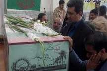 مراسم وداع با شهید گمنام دوران دفاع مقدس در مهریز برگزار شد