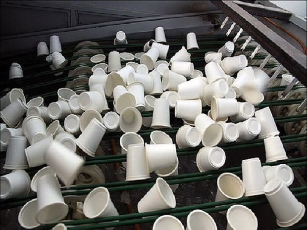 لطمه جبران ناپذیر ظروف پلاستیکی به آب و خاک