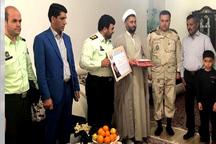 مسئولان جیرفت با 30 خانواده شهید دیدار کردند
