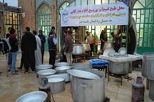 کارگزاران حج بیش از 30 هزار پرس غذا در پلدختر توزیع کردند