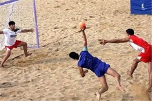 رقابت های هندبال ساحلی جوانان کشور در بندرعباس آغاز شد