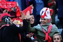 روزی که سکوهای آزادی مهم تر از چمن است+عکس و فیلم از حضور زنان در ورزشگاه