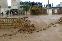 هلال احمر خوزستان به 727 فرد گرفتار در سیل امداد رسانی کرد