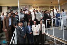 بازدید جمعی از دانش آموزان شرکت کننده در پنجمین دوره مسابقات بین المللی قران کریم از بیت امام خمینی (س) در جماران