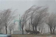 تندباد 100 کیلومتری در آذربایجان شرقی پیش می شود