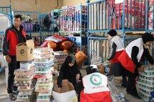 آغازتوزیع مرحله دوم بسته های یک ماهه در میان مردم زلزله زده کرمانشاه
