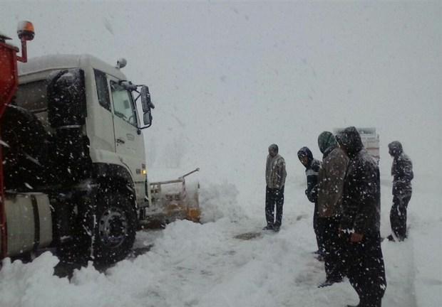 تردد کامیون های کشنده در 2 محور کردستان ممنوع است