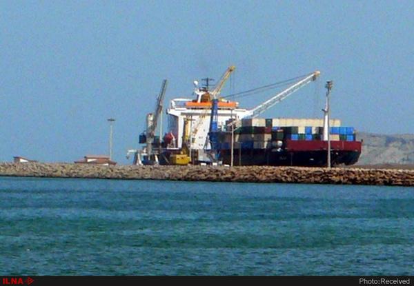 تخلیه و بارگیری همزمان چهار کشتی در بندر چابهار