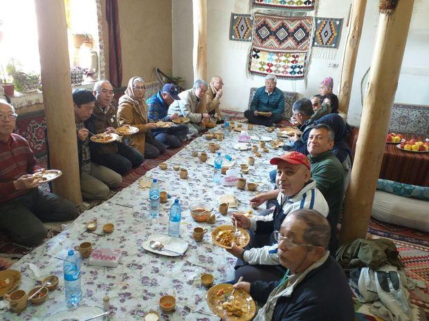 ۳۵ گردشگر خارجی از تخت سلیمان تکاب بازدید کردند