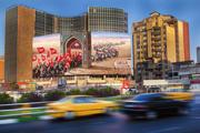 دیوارنگاره جدید میدان ولیعصر با موضوع راهپیمایی اربعین/ عکس