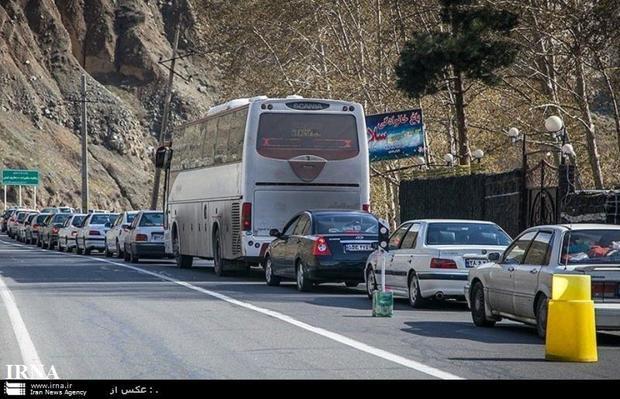 ترافیک جاده کرج - چالوس و آزادراه های البرز سنگین است