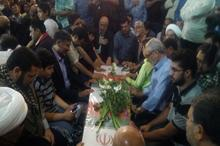 وداع با پیکر شهیدان 2 نسل انقلاب در مشهد
