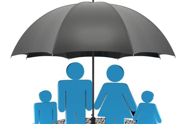 انقلاب اسلامی و چتری به نام بیمه بالای سر نیازمندان