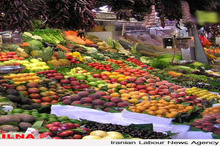 پیش بینی تولید  ۸ هزار تن محصولات هستهدار باغی در خوی   بی رونقی انگور خنداب در بازار عربی