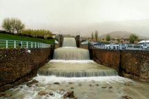 آب در برخی چشمه های خشکیده غرب اصفهان جاری شد