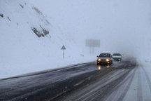 محورهای زنجان لغزنده است  رانندگان با احتیاط حرکت کنند