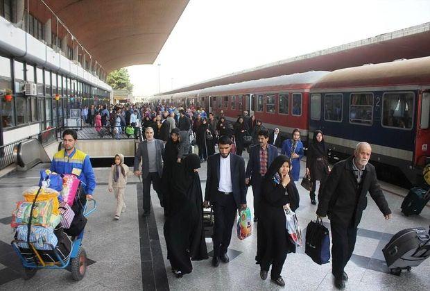 نیمی از ظرفیت قطارهای محلی خراسان رضوی خالی است