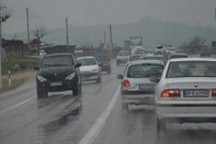 باران شدید رفت و آمد را در جاده های سبزوار کند کرد