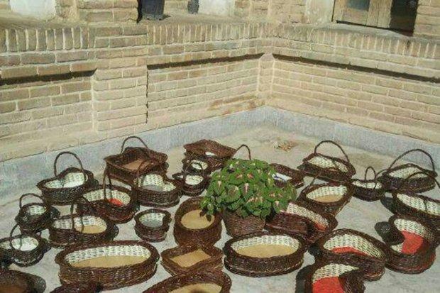 ادارات جهرم برای حمایت کالای ایرانی،صنایع دستی بخرند