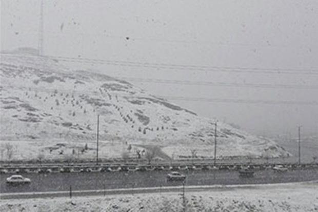 برف و تند باد پدیده غالب در استان مرکزی است