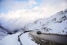 همه محورهای آذربایجان غربی با وجود بارش برف باز است