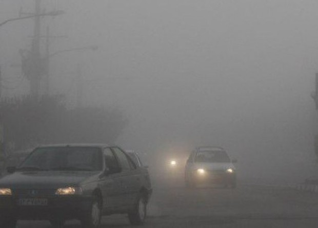 گردنه های خراسان رضوی مه آلود و جاده ها برفی است