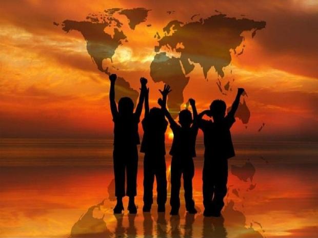 مراقب دنیای زیبای کودکان باشیم