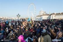 معترضان پل های لندن را مسدود کردند/ بازداشت بیش از 80 نفر+ تصاویر