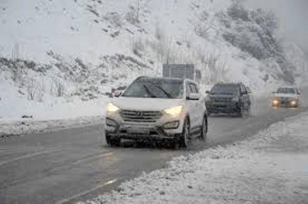 سامانه بارشی زمستانی، جاده های مازندران را خلوت کرد