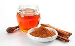 با خواص شگفت انگیز عسل و دارچین آشنا شوید