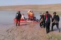 اکیپ غواصی هلال احمر به جستوجوی فیلمبردار و قایقران غرق شده در سد میانه رفتند