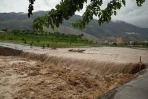 طغیان رودخانه نکا در مرکز شهر   بحران در نقاط مختلف شهری و روستایی نکا ادامه دارد