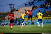گزارش تصویری تساوی بدون گل تیم های فوتبال صنعت نفت آبادان و پدیده شهر خودرو مشهد
