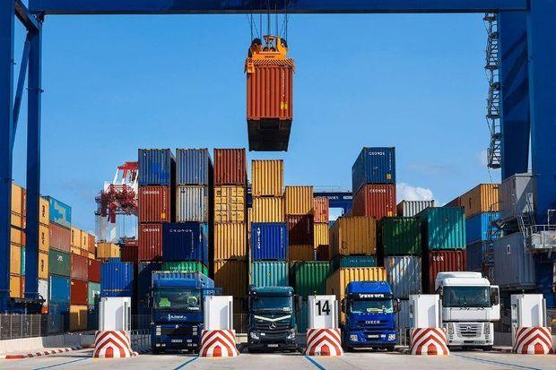 بیش از ۱۵ میلیون دلار کالا از گمرک ملایر صادر شد
