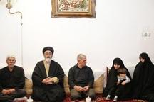 حضور نماینده ولیفقیه در آذربایجانشرقی در منزل شهید مدافع حرم «اکبر زوار جنتی»