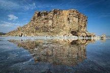 تبخیر آب دریاچه ارومیه از هفته جاری آغاز شده است