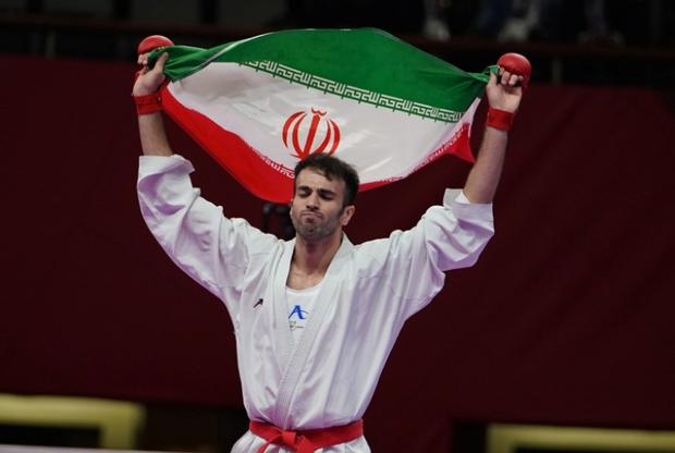 امام جمعه قزوین قهرمانی بهمن عسگری را تبریک گفت