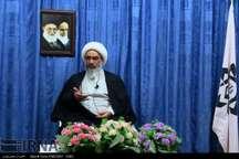 امام جمعه بوشهر: داشتن جامعه پیشرو در گرو توسعه فرهنگ کتابخوانی است