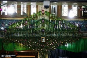آیین سنتی نخل گردانی و عزاداری ظهر عاشورا در تکیه بزرگ تجریش