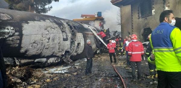 حضور استاندار البرز در محل سقوط هواپیمای باربری قرقیزستانی در ماهدشت