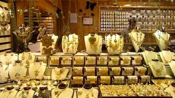 کاهش فروش طلا در نوروز و اعیاد شعبانیه در شیراز   فعالیت براى تمام صنوف سخت شده است