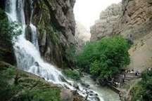 سه میلیون و 500 هزار تن از جاذبه های گردشگری لرستان بازدید کردند