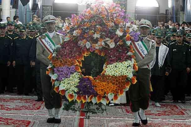 فرماندهان سپاه حفاظت هواپیمایی کل کشور نسبت به امام راحل ادای احترام کردند