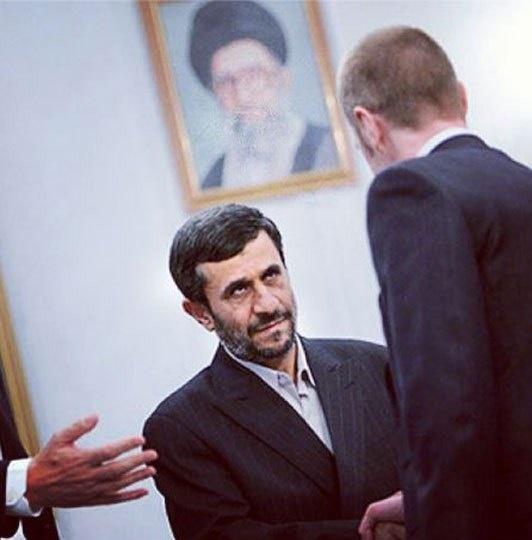 «اخم احمدی نژاد» تقلبی است + عکس