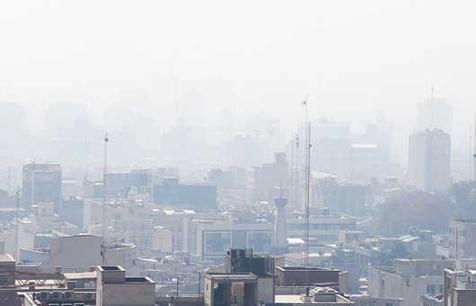 گرد وغبار آسمان تهران را فرا گرفت