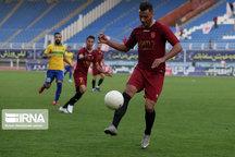 تیم فوتبال صنعت نفت آبادان شهرخودرو مشهد را شکست داد