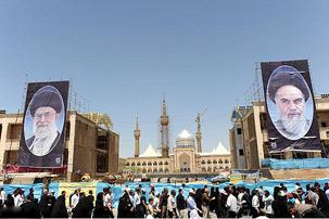 مراسم میثاق فرهنگیان و دانش آموزان با آرمانهای حضرت امام خمینی(س)