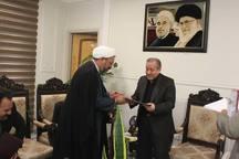 استانداراصفهان: جامعه امروز بیش از هر زمان دیگری نیازمند آشنایی با افکار امام است