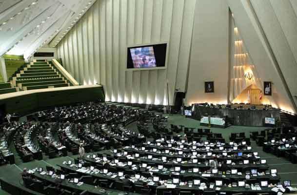 امام خمینی :مجلس در راس امور است