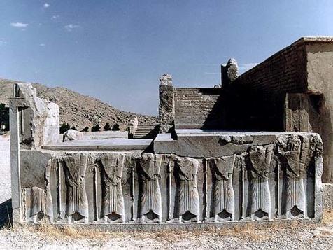 بازسازی سرباز هخامنشی به روش ۲۵۰۰ سال قبل در تخت جمشید